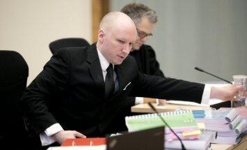 Ārsti: Bēringa-Breivika veselība cietumā nav pasliktinājusies