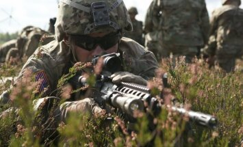 Nedēļas nogalē Latvijā ieradīsies 225 ASV smagās bruņutehnikas rotas karavīri