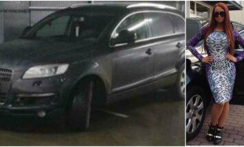 Deimon skaidro, kāpēc noparkojusi džipu pāri divām stāvvietām