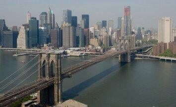ASV tiesā krievu tūristu, kurš 'joka pēc' uzkāpis Bruklinas tiltā pafotografēt