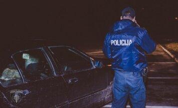 Lidostā 'Rīga' aiztur automašīnas logu tīrītāju lauzējus un kautiņa sarīkotājus