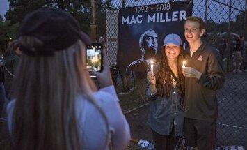 Foto: Fani Pitsburgā sēro par repera Maka Millera pāragro nāvi