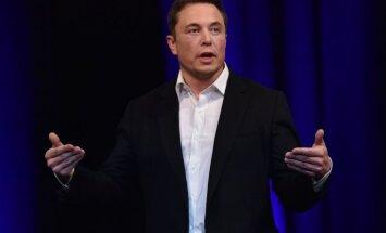 Маск анонсировал запуск сверхтяжелой ракеты Falcon Heavy в 2018 году