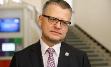 Belēvičs skaidrojas: apkaros pārāk dāsnus ģimenes ārstus, nevis maksas medicīnas klientus