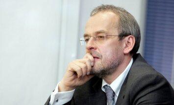 Roberts Zīle: Banku paradīze nav ceļš uz ilgtspējīgu labklājību