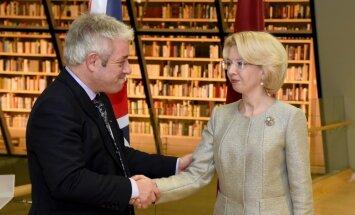 Foto: Lielbritānijas parlamenta Pārstāvju palātas priekšsēdētājs apmeklē Latviju
