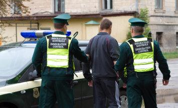 Robežsargi aiztur desmit vjetnamiešus un četrus Krievijas pilsoņus