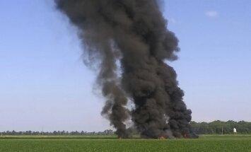 Vismaz 16 gājuši bojā, ASV nokrītot militārai lidmašīnai