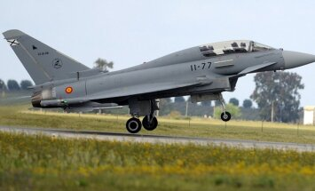 Igaunijas Gaisa spēku komandieris: visticamāk, atrasta Spānijas iznīcinātāja nejauši izšautā raķete