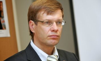 'Vienotības' nodoms vērsties pret biļešu cenu diferencēšanu Rīgā gūst NA un RP Saeimas frakciju šefu atbalstu