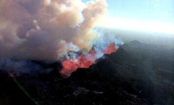 'Delfi' aculiecinieks nofilmē iespaidīgu Islandes vulkāna izvirdumu