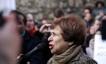 ЦИК отказал в референдуме о школах нацменьшинств, РСЛ готовит марш протеста