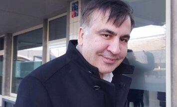 Saakašvili Nīderlandē sola 'turpināt cīņu'