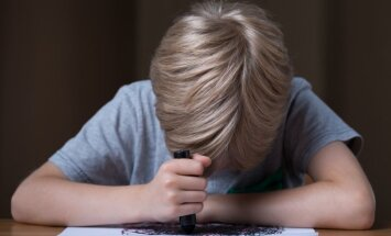 Pētījums: 53% Latvijas skolēnu jūtas pārslogoti, katrs piektais bērns dzīvo uz nabadzības sliekšņa