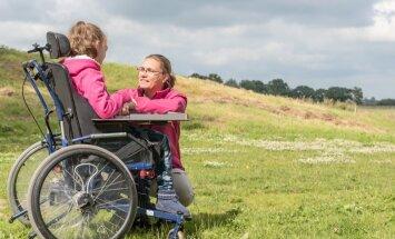 Bērniem ar invaliditāti trūkst motivācijas: vāc ziedojumus viņu iedvesmošanai
