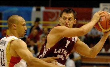 Latvijas basketbola izlasei EČ kvalifikācijas turnīrā nepalīdzēs arī Blūms