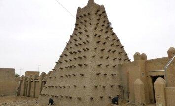 SKT: Timbuktu notiekošā musulmaņu svētvietu postīšana ir kara noziegums