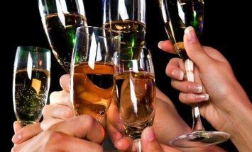 Rīgas pašvaldībā plāno ierobežot alkohola apriti naktī