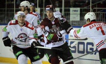 Rīgas 'Dinamo' uzvar 'bullīšos' un turpina KHL sezonu
