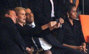 Baraks Obama Mandelas piemiņas pasākumā taisa selfiju