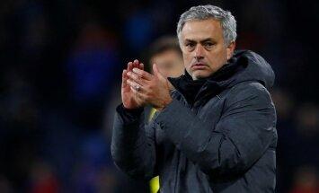 Mančesteras 'United' pagarina līgumu ar Žozē Mourinju