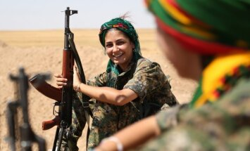 Turcijas ĀM brīdina ASV un Krievijas vēstniekus par atbalstu Sīrijas kurdiem