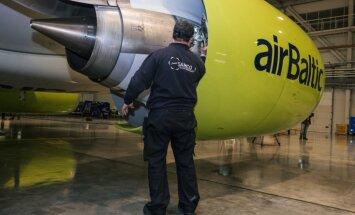 'airBaltic' jauno lidmašīnu ķibeles: pakāpeniski atsāk 'Bombardier CS300' lidojumus