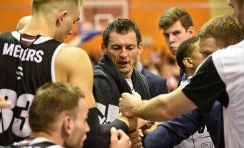 'VEF Rīga' basketbolisti Saldū nodrošina vietu LBL pusfinālā