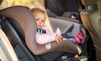 Pētījums: tikai 24% vecāku zina, kā pareizi nostiprināt un nospriegot bērna drošības jostas