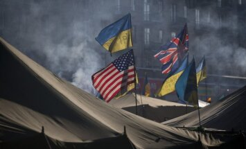 ASV aicina Janukoviču uz dialogu un 'patiesu kompromisu'