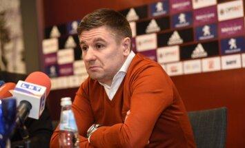Pahars atkāpjas no Latvijas futbola izlases galvenā trenera amata