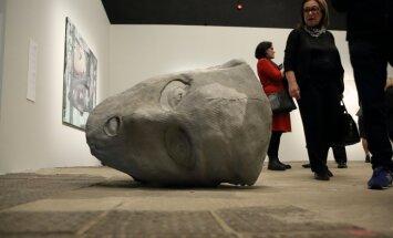 Foto: Topošajā 'Zuzeum' atklāj Izraēlas laikmetīgās mākslas izstādi