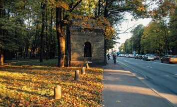 Baznīca pašvaldībai iemainīs Lielos kapus; Rīga jau sāk to sakopšanu
