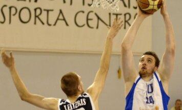 LU komandu arī turpmāk pārstāvēs basketbolists Plivda