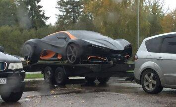 Foto: Ķekavā paviesojies ukraiņu 700 tūkstoš eiro superauto 'Himera'