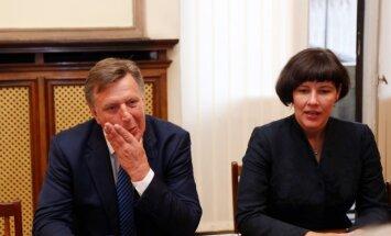 Saeima pieņem nākamgad iecerēto nodokļu reformu