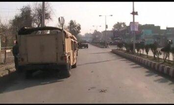 Uzbrukumā Pakistānas konsulātam Afganistānā nogalināti septiņi policisti