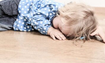 Kā rīkoties, ja pusotru gadu vecs bērns sit mammai