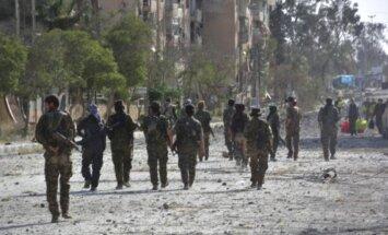 Karte: Kurdu spēki lenc Raku no dienvidiem