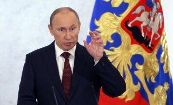 Putins amatpersonām aizliedz turēt ārvalstu kontus