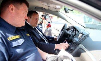 Valsts policijas auto lieta: 22 miljonus eiro vērtais iepirkums izrādās brāķis