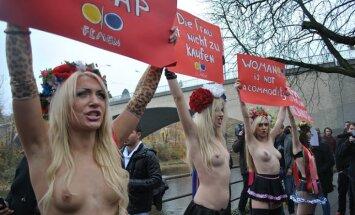Kailās ukrainietes turpina sirot Eiropā