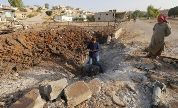 ASV vadītā koalīcija pret 'Islāma valsti' nosoda Krievijas uzlidojumus Sīrijā
