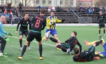 Kurzemes derbijā 'Ventspils' futbolisti nospēlē neizšķirti ar 'Liepāju'/'Mogo'