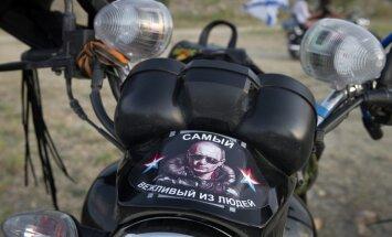 Lietuvas jauniešu tikšanos ar 'Nakts vilkiem' Krievijas nometnē skaidro kā kļūdu