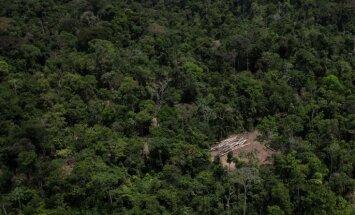 Armijas lidmašīnas katastrofā Ekvadorā 22 bojāgājušie