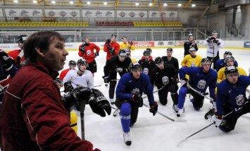 Latvijas hokeja izlase atkārtoti tiekas ar Zviedrijas valstsvienību