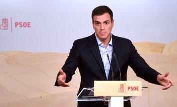 Lai gāztu partijas līderi Sančesu, masveidā no amatiem atkāpjas Spānijas sociālistu vadība