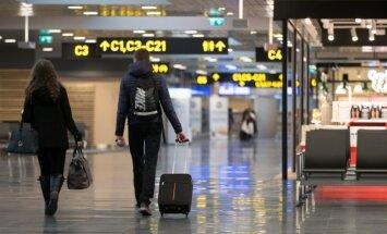 Двое работников аэропорта Rīga заразились корью