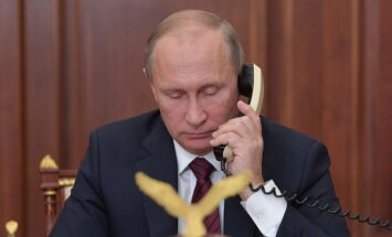 Putins ar Donbasa 'republiku' līderiem runājis par gūstekņu apmaiņu